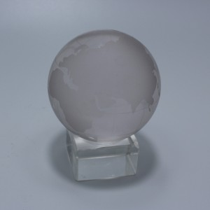Clear crystal globe